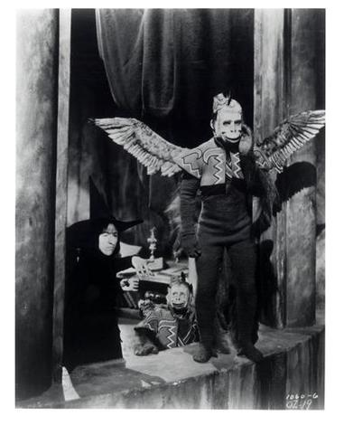 flying monkeys from the wizard of oz movie